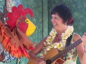 Fun with puppets at a Kauai Family Concert!